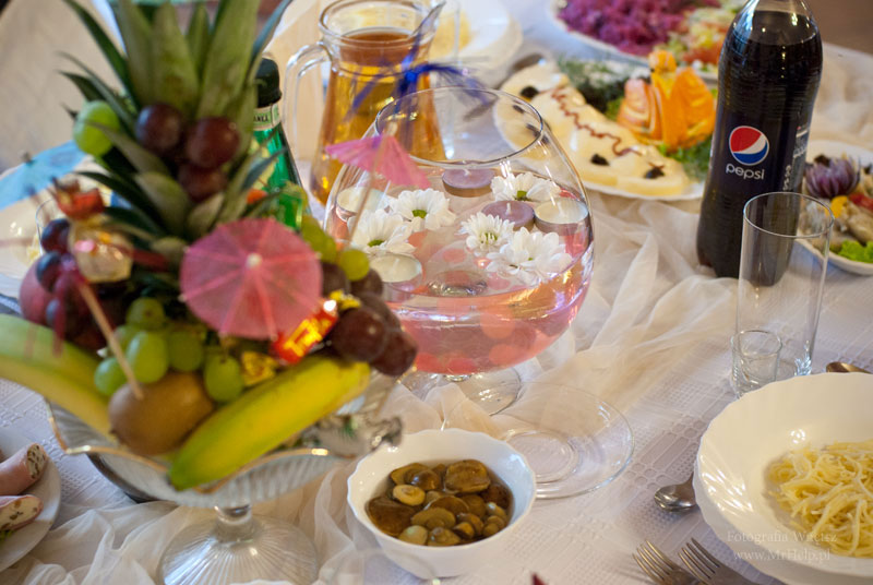 Bogato zastawione stoły  - Sala Mega Tomaszów Mazowiecki